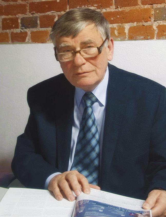 prof. dr hab. Aleksander Koll